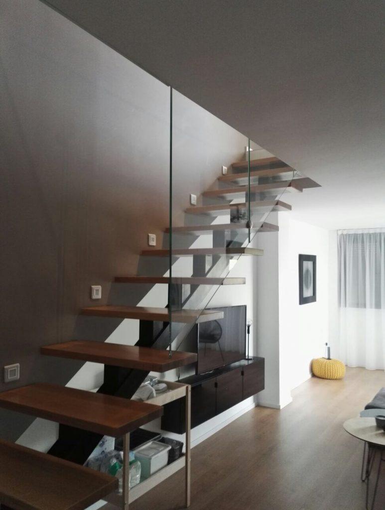 Barandillas Escaleras Interiores. Barandilla De Hierro En Escalera ...